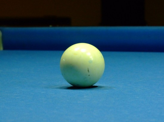 Billiard_Ball__In_the_middle_by_Archedius