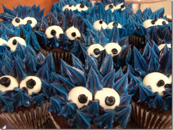 Blue Monster Cupcakes by h0p31355 thumb 100 Amazing Examples Of Art You Can Eat