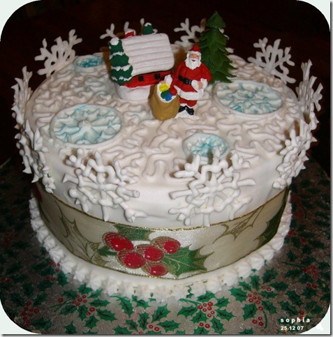 Christmas Cake 2007 by spiderdijon thumb 100 Amazing Examples Of Art You Can Eat
