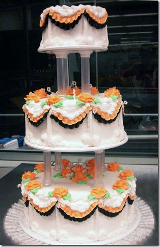 October Wedding Cake by theshaggyturtle thumb 100 Amazing Examples Of Art You Can Eat