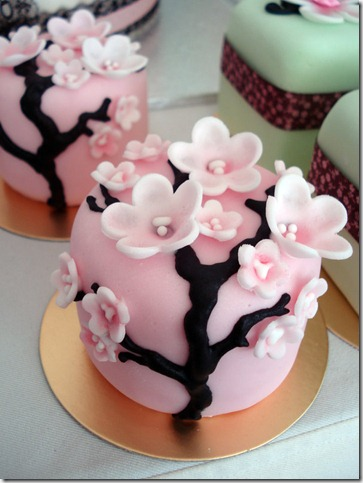 Sakura Blossoms by Sliceofcake thumb 100 Amazing Examples Of Art You Can Eat
