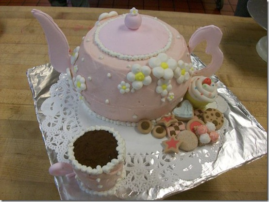 Teapot Cake by Saiyuki08 thumb 100 Amazing Examples Of Art You Can Eat