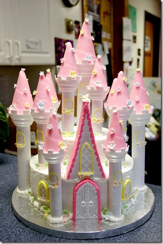 princess castle cake by pinkshoegirl thumb 100 Amazing Examples Of Art You Can Eat