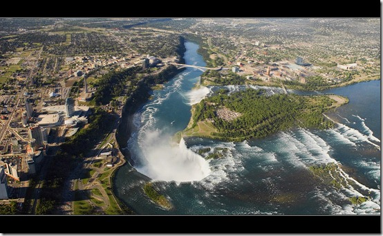 Flight Over Niagara by IgorLaptev thumb 40 Amazing photos of Niagara Falls