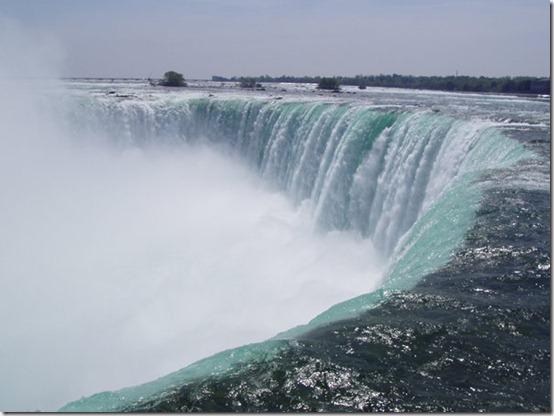 Niagara_Falls_by_ardunt