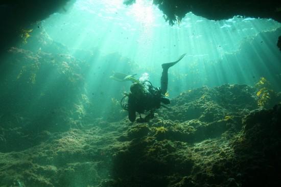 underwater_cavern_by_olivetwist