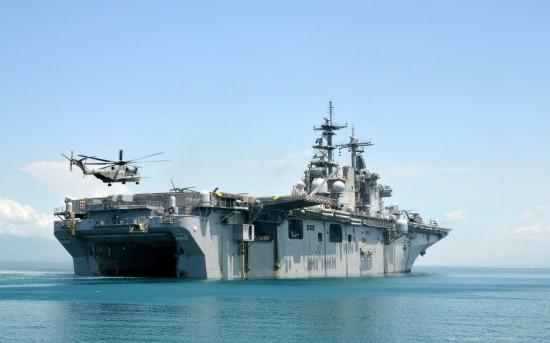 USS_Kearsarge_LHD_3_by_gandiusz