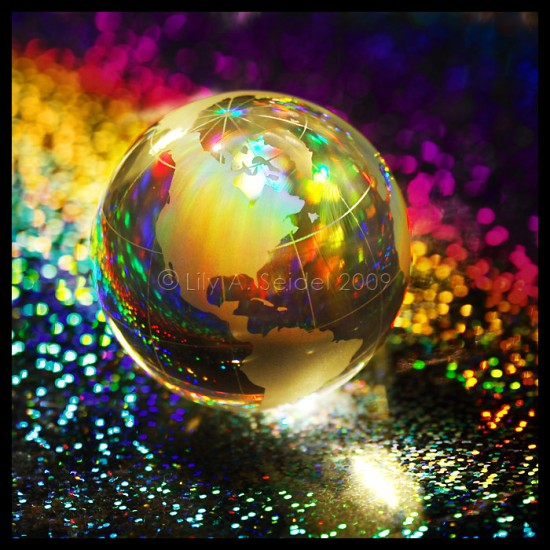 719f7d1ae44c0065199c5d2b302d097f 550x550 26 Inspiring Digital Globes