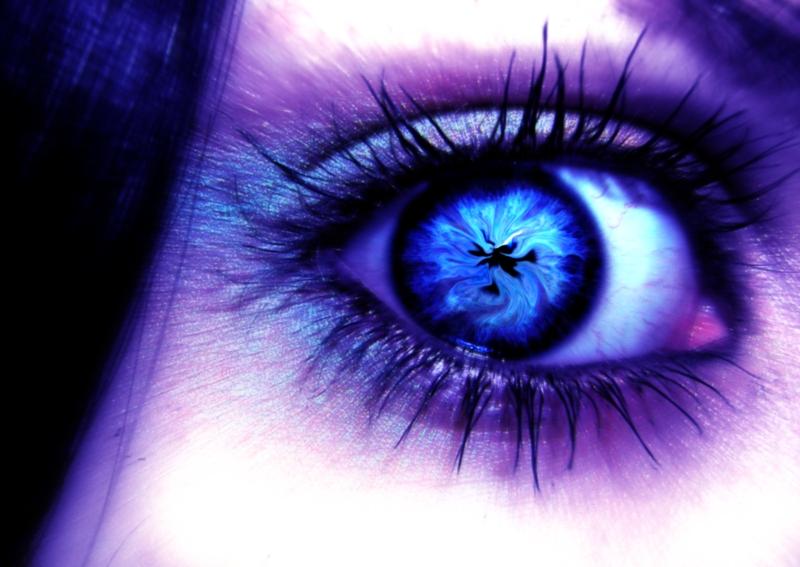 A_photomanipulated_eye_by_n_a_d