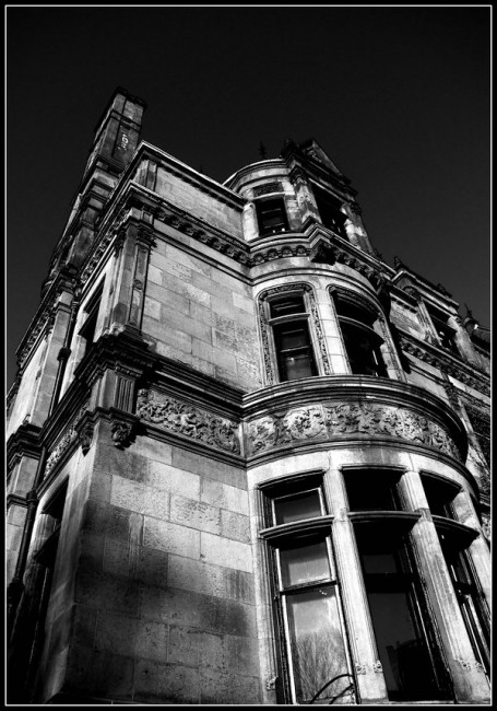 Black and White Brownstone by Ryser915 455x650 Stuning Black And White Photo Manipulations