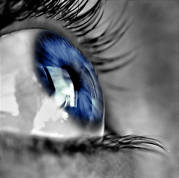Blue_Eye_by_thecoffeepirate