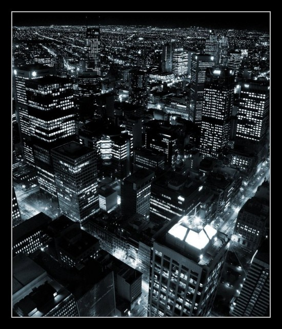 City of Blinding Lights by mademan033 550x643 Modern Photography: City Lights