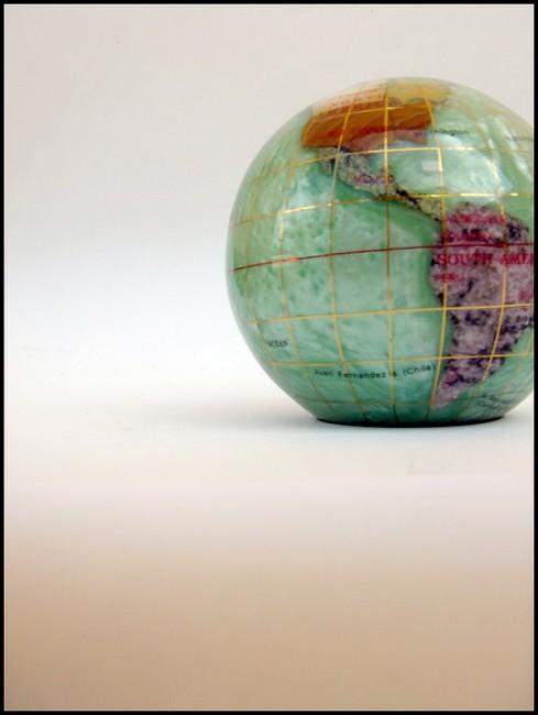 Globe_by_xhorsegirlx