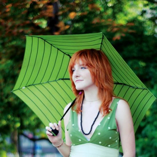 Green_umbrella_by_MotyPest