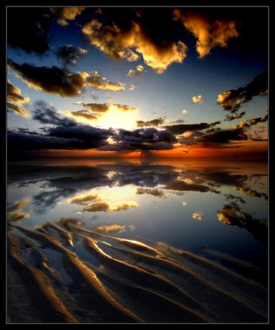 Quiet_ocean_by_Andycap