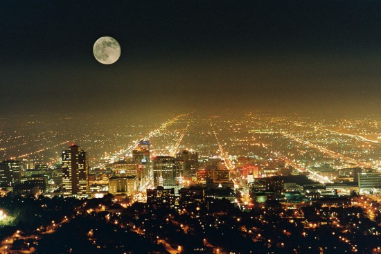 Salt Lake City Night by DezRay6 550x367 Modern Photography: City Lights