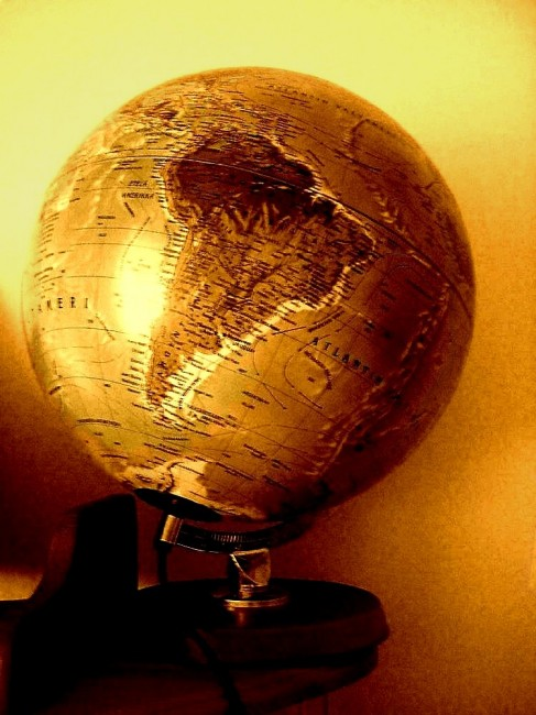 The globe by jaanai 487x650 26 Inspiring Digital Globes