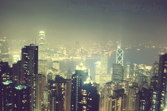 city lights by whatevercrap 550x366 Modern Photography: City Lights