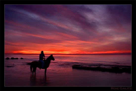 Sunset Horseman 550x366 37 Sunset Photos   Part 2