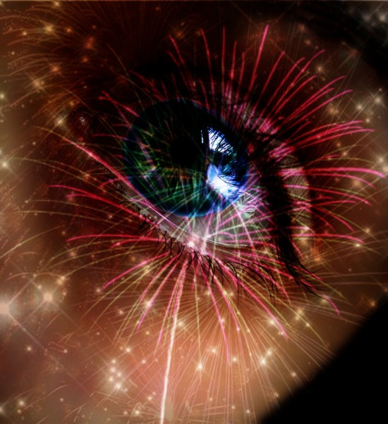 see the fireworks by Photo Sophie 550x602 46 Inspirational Fireworks That Are Done In Photoshop